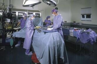 Premiera in Romania: A primit un rinichi nou, dupa un transplant de inima