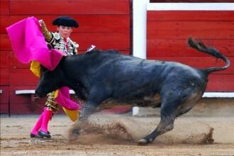 Moment jenant: matadorul a ramas in posteriorul gol in arena!