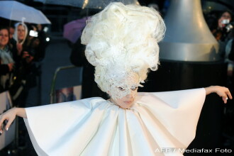 Lady GaGa, clovnul de la Brit Awards 2010!