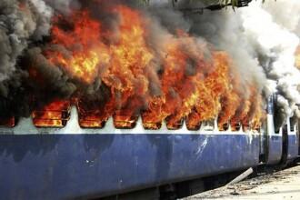 Incendiu pe o cale ferata din California! Un marfar a deraiat si a luat foc