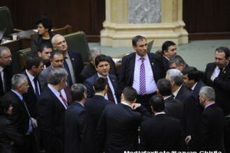 Senatorii si deputatii si-au luat libere ca sa comemoreze Ziua Mortilor