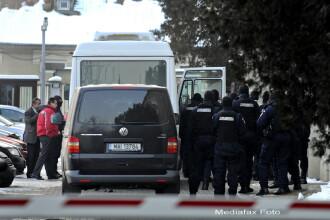 Fostul sef al PTF Siret si alti 14 vamesi si politisti raman in arest