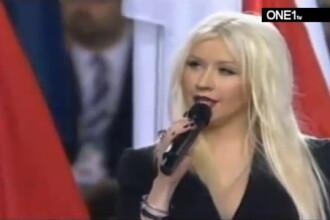 Aguilera s-a facut de ras la Super Bowl. A uitat versurile imnului. VIDEO