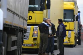 Coloana de camioane de 12 km la Vama Nadlac, din cauza controalelor
