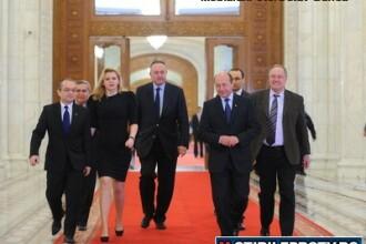 Maghiarii si minoritatile din coalitie spun nu oricarei schimbari in Guvern