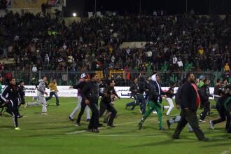 Cand fotbalul are nevoie de interventia ARMATEI. Haos in Egipt dupa ce 74 de oameni au murit