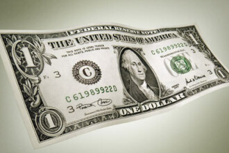 Diferenta dintre leu si dolar, aproape de maximul istoric. Ce s-a intamplat cu paritatea dintre leu si euro