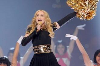 Spectatorii au ramas blocati. Gestul obscen pe care l-a facut o cantareata in fata Madonnei. VIDEO