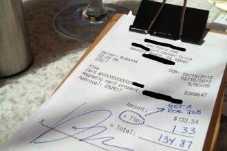 Bacsisul FABULOS lasat la o consumatie de 26 de dolari. Chelnerul a izbucnit in lacrimi