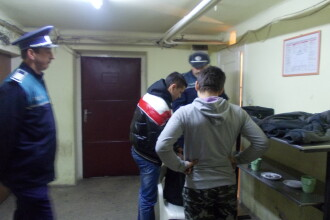 Au dat scoala pe baruri si cafenele . Asa si-au inceput ziua 26 de elevi din Oradea