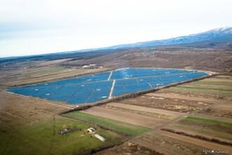 Un oras din vestul tarii si-a schimbat brusc destinul. Are cel mai mare parc fotovoltaic din Romania