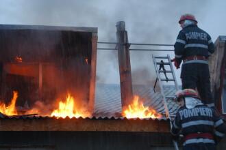O cladire plina cu furaje s-a aprins in aceasta dimineata