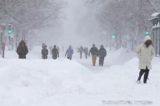 Furtuna Nemo a paralizat nord-estul SUA si Canada. Cel putin 7 victime, 650.000 de locuinte in bezna