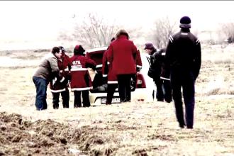 Cadavrul unui taximetrist descoperit in portbagajul masinii sale. Suspecti de crima, ultimii clienti