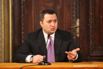 Scandal mare la Chisinau. Oficiali de rang inalt au fost interceptati intr-un caz de coruptie. VIDEO