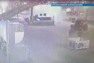 Accident grav pe o sosea din Craiova. Doi tineri au ajuns in spital dupa ce s-au rasturnat cu masina