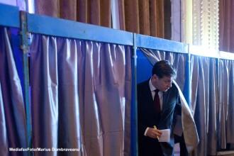 Crin Antonescu: Pana in 15 mai se vor putea depune propunerile de modificare a Constitutiei