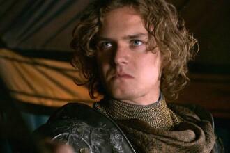 Finn Jones, cunoscut pentru Ser Loras Tyrell din Game of Thrones, vine la Comic Con in Romania