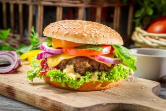 Ce contin hamburgerii din
