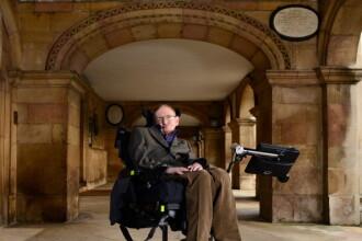 """Stephen Hawking, despre inteligența artificială: """"Dezvoltarea ei poate însemna sfârșitul rasei umane"""""""