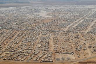 ONU a facut lumina in cazul imaginii cu baiatul sirian, mergand singur prin desert. Fotografia a fost trunchiata