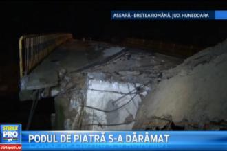 Un sofer din Hunedoara a simtit cum pamantul ii fuge de sub masina, in timp ce traversa un pod . Ce s-a intamplat. VIDEO