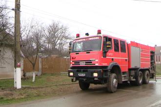 Incendiu violent la sediul unei firme de transport din localitatea Ciceu langa Dej