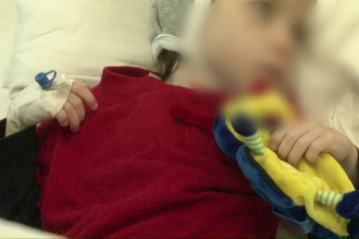 La 5 ani, Florentina cantareste doar 5 kilograme. Cum a ajuns fetita victima neglijentei propriilor parinti