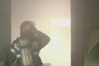 Patru copii din Zalau si mama lor au ajuns la spital, cu arsuri grave. Incendiul a pornit de la o lumanare