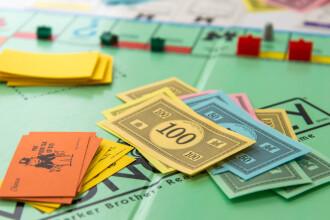 Monopoly sarbatoreste 80 de ani de la aparitie cu o editie speciala. Ce vor gasi in cutii cei mai norocosi fani ai jocului