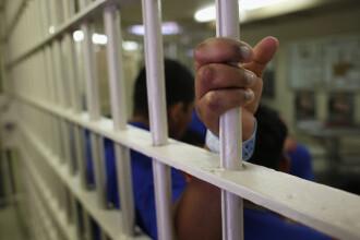 Barbat condamnat la 4 ani de inchisoare dupa ce si-a spionat fiul in momente intime cu iubita. Ce secret ingrozitor s-a aflat