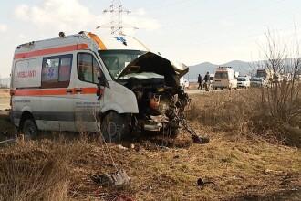 Impact mortal cu o ambulanta in apropiere de Cluj-Napoca