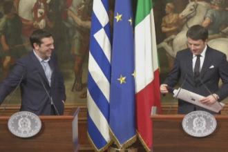 Alexis Tsipras a primit in dar o cravata de la premierul italian, Matteo Renzi. De ce a refuzat insa sa o poarte