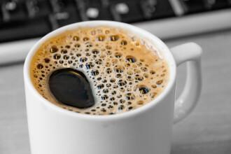 Ce se intampla cu organismul dupa ce bem o bere sau o cafea. Motivul pentru care este esential sa consumam mai multa apa apoi