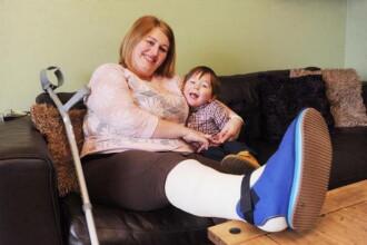 """""""Ajutor! Mami sangereaza"""", apelul unui baiat de 2 ani la urgente dupa ce mama sa a avut un accident"""