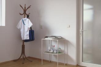 Medici la sate, o raritate in Romania. Cum ajung oamenii sa se trateze singuri din cauza lipsei doctorilor