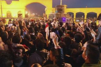 Violente in Egipt. Cel putin 30 de fani au murit la Cairo, prima liga egipteana a fost suspendata