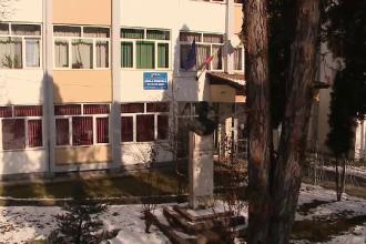 Situatie revoltatoare la o scoala din Cluj. Ce le face un profesor de franceza la ore elevilor