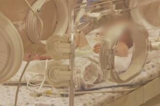 Tanara care a nascut gemeni prin cezariana, moarta in operatie. Anestezistul ar fi incercat de 6 ori sa ii faca rahianestezie