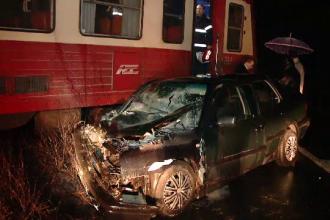 Clipe de cosmar pentru o familie din Timis, dupa ce masina lor a fost lovita de un tren. Ce s-a intamplat cu pasagerii