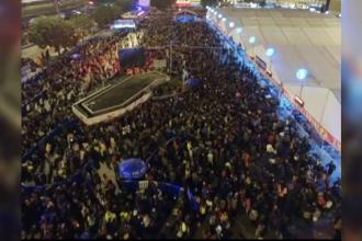 Zapada a paralizat traficul feroviar in China: 100.000 de oameni au ramas blocati in gara, inainte de Anul Nou chinezesc
