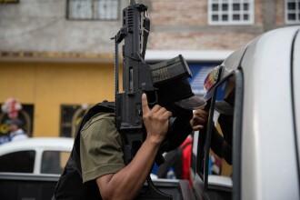 Imaginea care arata cat de periculoasa este mafia drogurilor in Mexic. Un bebelus de 7 luni, impuscat alaturi de parintii sai