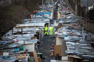 Tabara ilegala de romi, demolata de autoritatile din Paris. Conditiile insalubre in care locuiau aproximativ 400 de persoane
