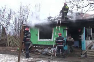 Tragedie in Botosani. Doua surori de 3 si 4 ani au ars de vii, intr-un incendiu ce le-a mistuit casa