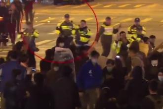 Lupte de strada intre fortele de ordine si manifestanti in Hong Kong. Politia a tras focuri de arma de avertisment