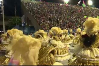 Carnavalul de la Rio, la final. Doua milioane de oameni au petrecut zilnic pe strazi, in ciuda amenintarii virusului Zika