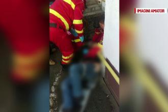 A cazut de la etajul 4 incercand sa intre in apartament prin balcon. Barbatul e in stare grava
