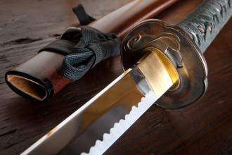 Tragedie pe platoul de filmare. Un actor japonez a murit dupa ce a fost injunghiat accidental cu o sabie de samurai