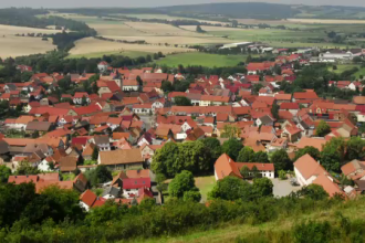 Guvernul vrea o Romanie cu mai putine sate si comune. Reactia primarilor: