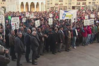 Mii de persoane au protestat la Targu Jiu. Angajatii Complexului Energetic Oltenia se tem ca isi vor pierde locurile de munca